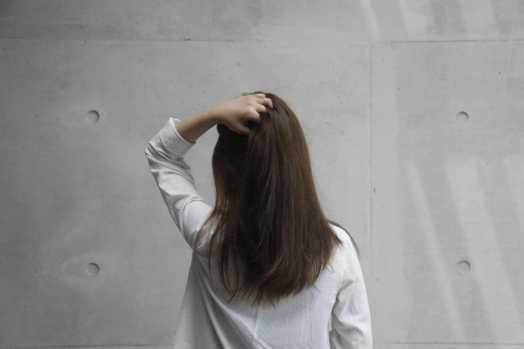 頭皮生暗瘡與髮質